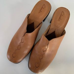 CLARKS Leather Mules Size 6.5